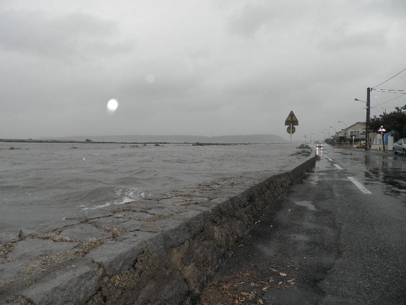 Coup de mer aux chalets de Gruissan | Photolive, toutes les
