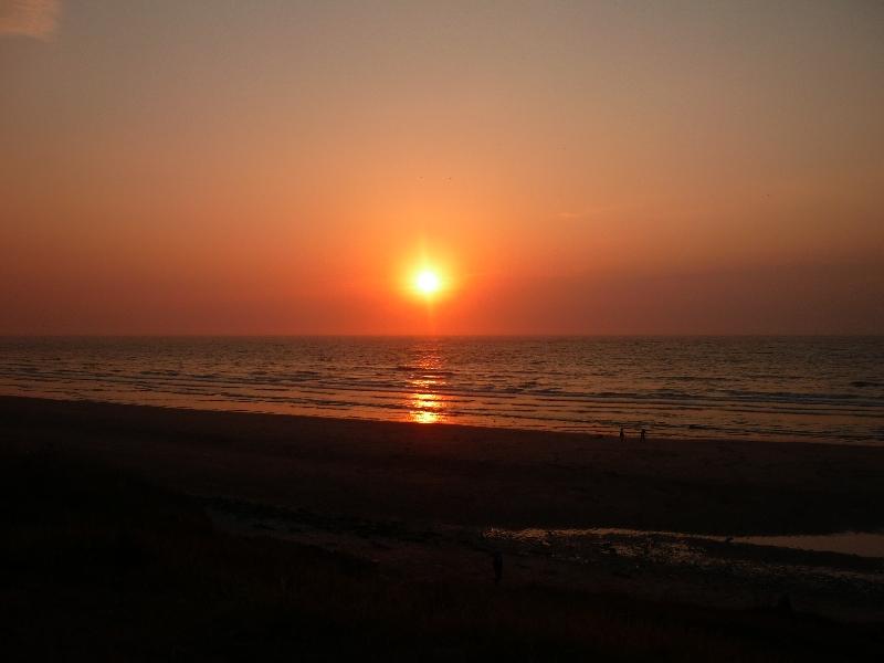 Magnifique coucher de soleil en bord de mer photolive toutes les photos m t o en temps r el - Palpitations le soir au coucher ...