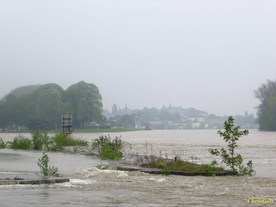 crue de Loire et grosse brume sur Decize