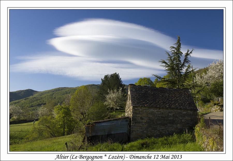 Lenticulaires sur le Mont Lozère... En pleine mutation...