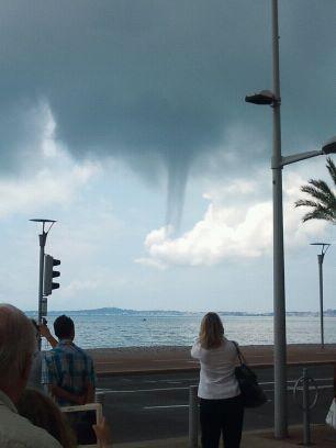 Trombe marine à Cagnes-sur-Mer ! | Photolive, toutes les