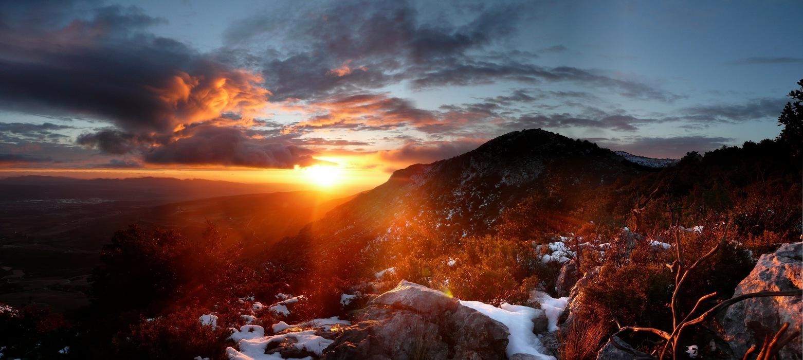 Coucher de soleil depuis le baou n gre montagne sainte victoire photolive toutes les photos - Photo coucher de soleil montagne ...