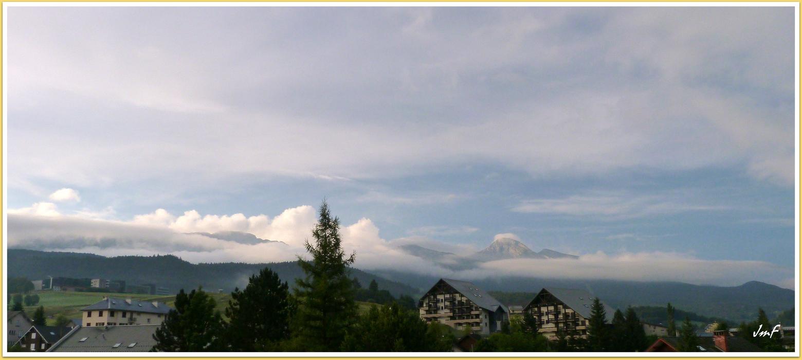 Petit matin brumeux sur la for t photolive toutes les - Meteo petite foret ...